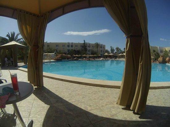 Joya Paradise: Vue sur la piscine