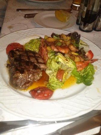 Restaurante Giovanni: Fillet Steak with Warm House Salad