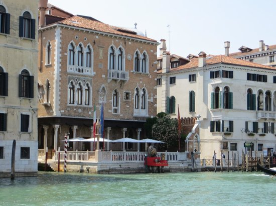 Hotel Palazzo Stern: Hotel from the Grand Canal