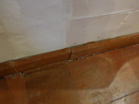 Hotel Trias: Detalle Baño