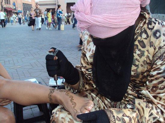 Jemaa el Fna : Tatuando