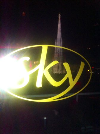 Sky Cafe Bar Restaurant : SKY