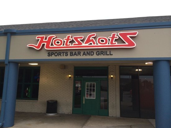 Hotshots Sports Bar and Grill: Hotshots