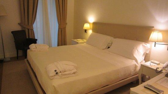 UNA Maison Milano: ベッド