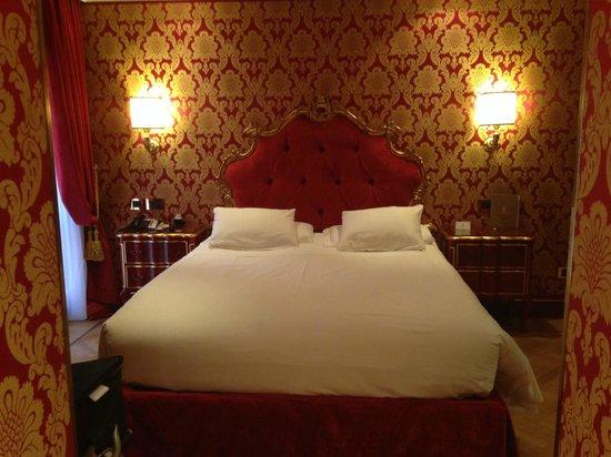 Hotel Ai Reali di Venezia: Standard room- Stylish and comfortable