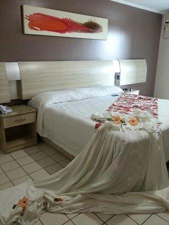 Sued's Plaza Hotel: Apartamento decorado