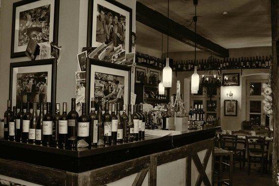 Toscanino: Unsere Vinothek mit Caffèbar