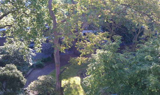 Studios2Let Serviced Apartments - Cartwright Gardens: view from the window of room 28