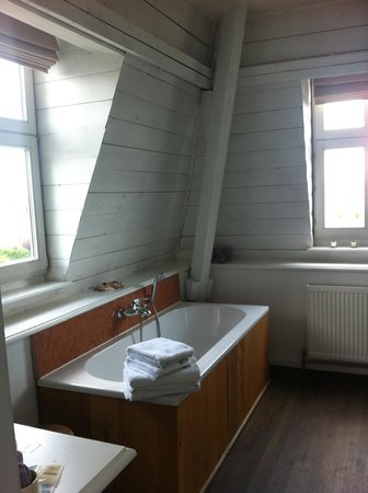 Fort Lapin: Bathroom