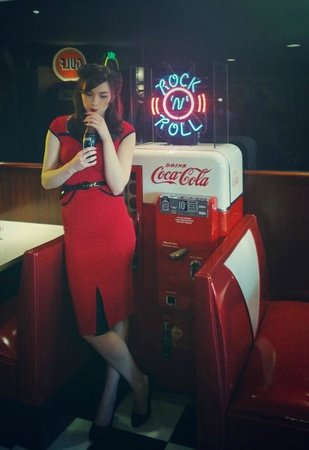 Smokey Joe's Coffee Bar: 50s model next to an an original Coke dispenser