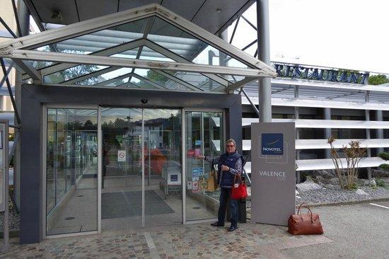 Novotel Valence Sud : Eingang