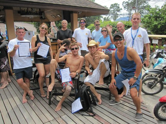 End of PADI IDC course with certificates at Asia Divers.