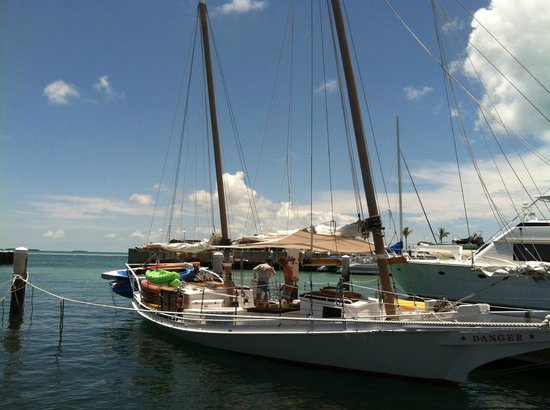 Danger Charters : Boat and crew