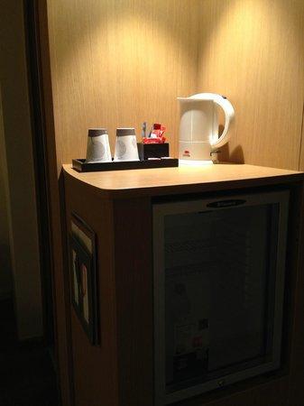 Novotel Paris Centre Tour Eiffel : Tea, Coffee & Minibar