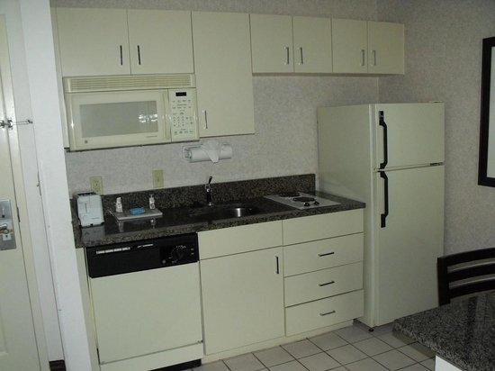 Quality Suites Lake Buena Vista : Queen Kitchen