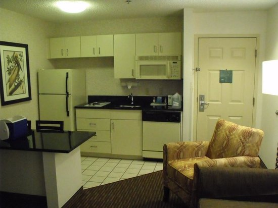 Quality Suites Lake Buena Vista: King Kitchen