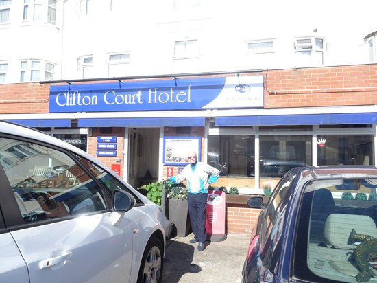 Clifton Court Hotel: Front of hotel
