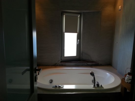 Panorama Boutique Hotel: Petite Suite Bathroom