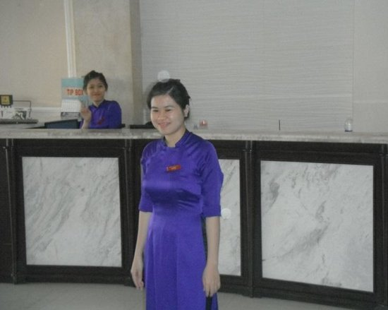 Hue Serene Palace Hotel: More excellent staff