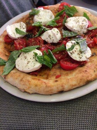 D'Angeli: Pizza caprese