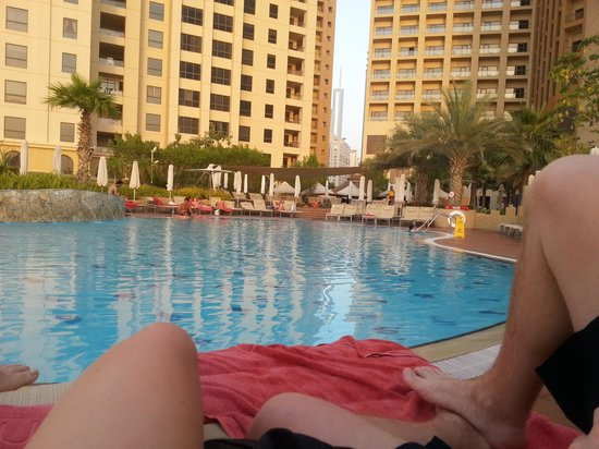 Amwaj Rotana : The pool