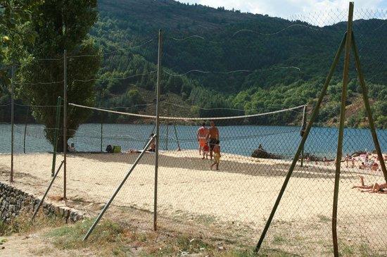 Lac de Villefort : terrain de beach volley