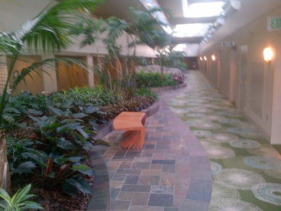 Hyatt Regency Orlando International Airport: Inside hotel