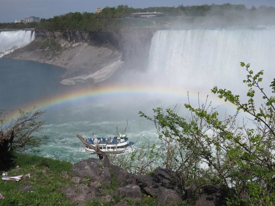 Gray Line Toronto: The two Falls, rainbow and Hornblower