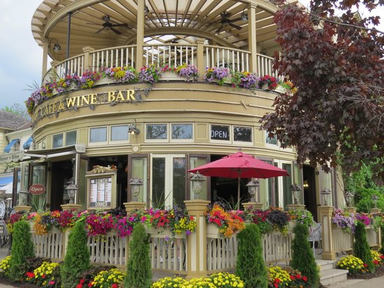 Gray Line Toronto: Cafe/restaurant at Niagara On The Lake