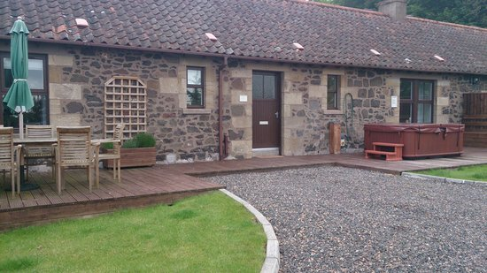 Balmeadowside Country Lodges and Cottages: Cottage Front
