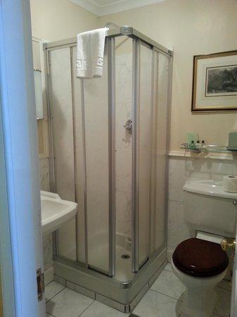 Royal Highland Hotel: Bathroom
