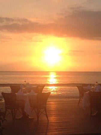 Sudamala Suites & Villas Senggigi: Sunset over Bali
