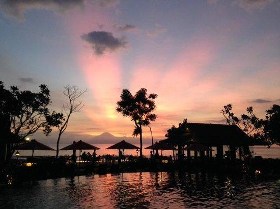 Sudamala Suites & Villas Senggigi: Sunset AGAIN!