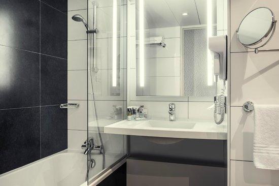 Mercure Paris Porte d'Orleans : Salle de bain