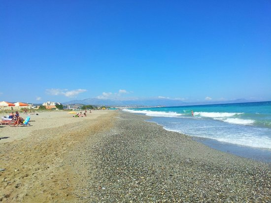 Eva Bay Hotel : Beach
