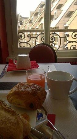 Le Kleber Hotel: Breakfast
