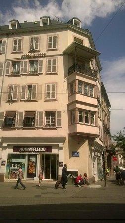Le Kleber Hotel: The hotel building
