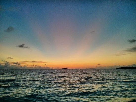 Reethi Beach Resort: Der Sonnenuntergang