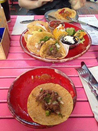 Cantina Machito : Plato de tacos variados