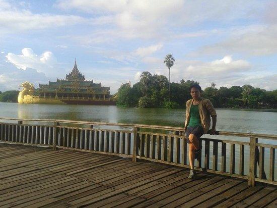 Kandawgyi Park : Osias Lim