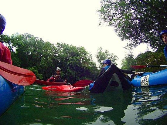 Gaia Aventure: Les conseils du guide avant le rapide de côte longue sur le gave d'Oloron