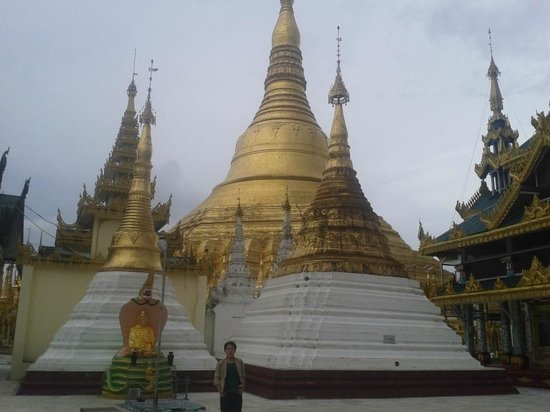 Shwedagon Pagoda: Osias Lim