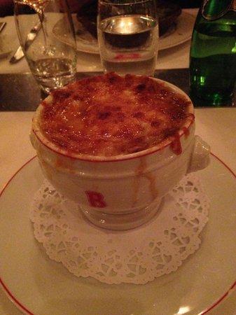 Benoit New York: soupe a l'oignon