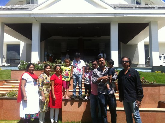 Ooty - Fern Hill, A Sterling Holidays Resort: Full family photo