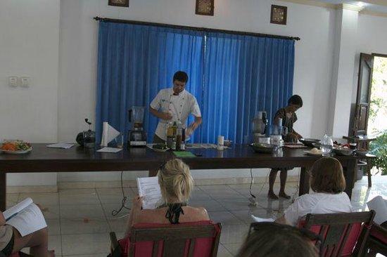 Raw Food Bali Culinary Classes: class format