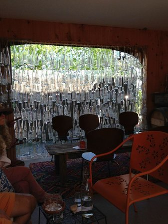 Croteaux Vineyards: cool hang out