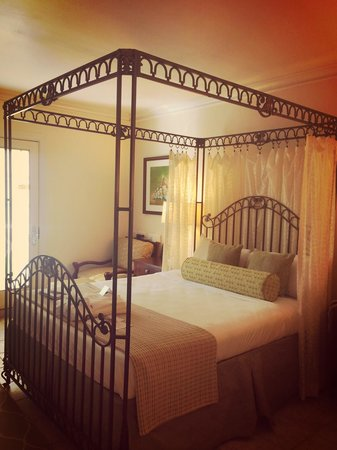 BodyHoliday Saint Lucia : Comfortable bed