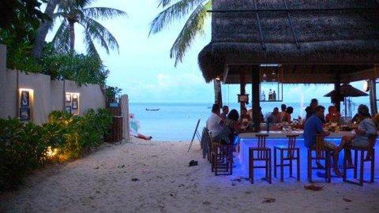 Buri Rasa Koh Phangan: The Beach Club at dusk
