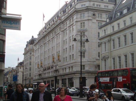 Strand Palace Hotel: facciata hotel