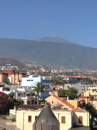 Elegance Dania Park: View from the hotel rooftop of my teide